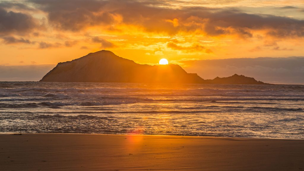 How to take photos of sunrise – First light of the world