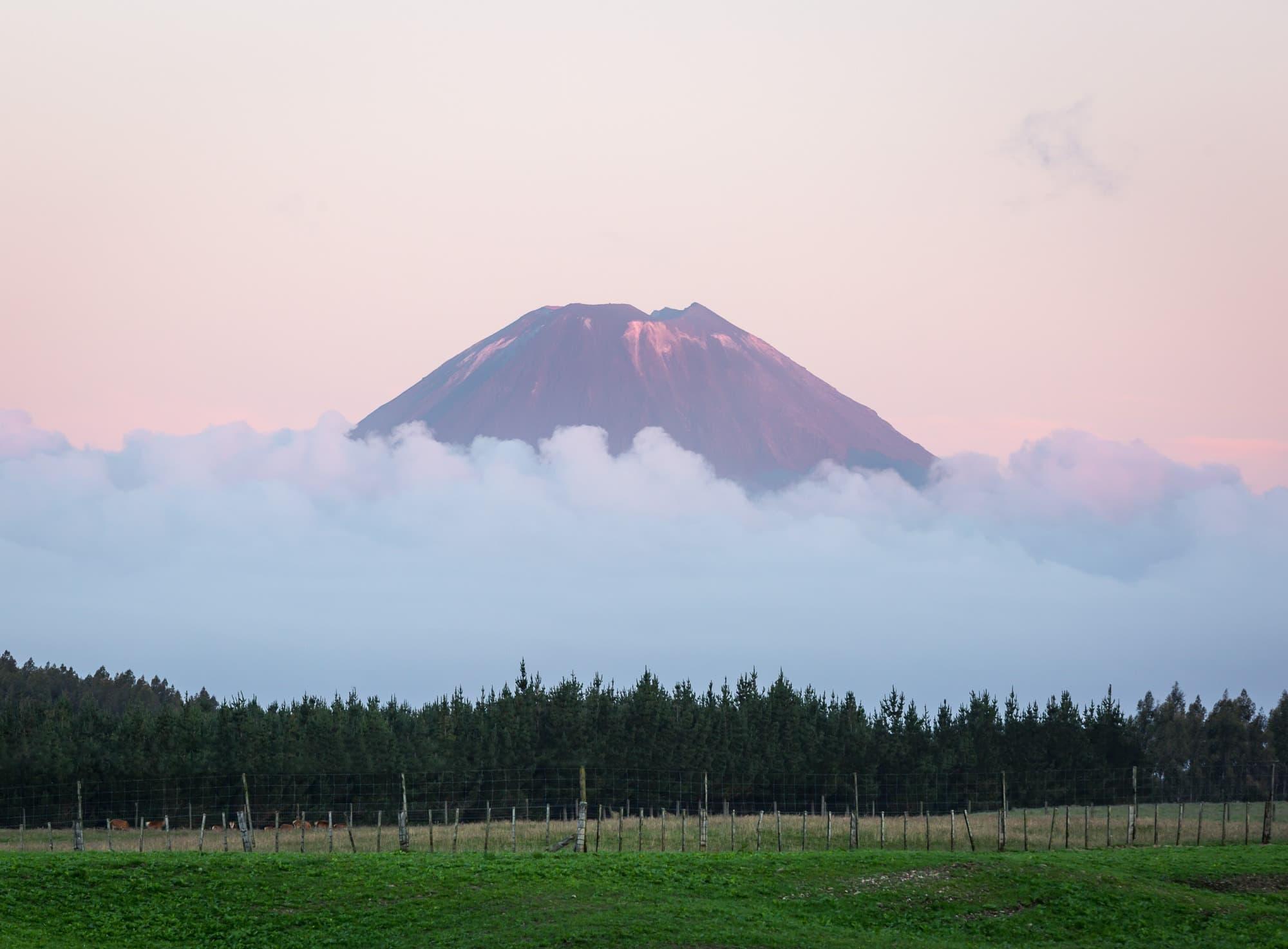 mountain image tongariro new zealand